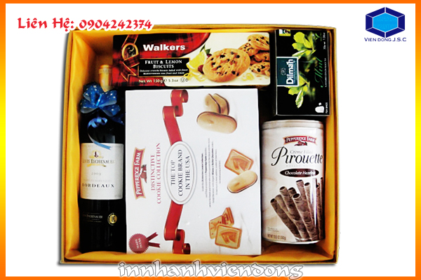Print new year's packaging gift box